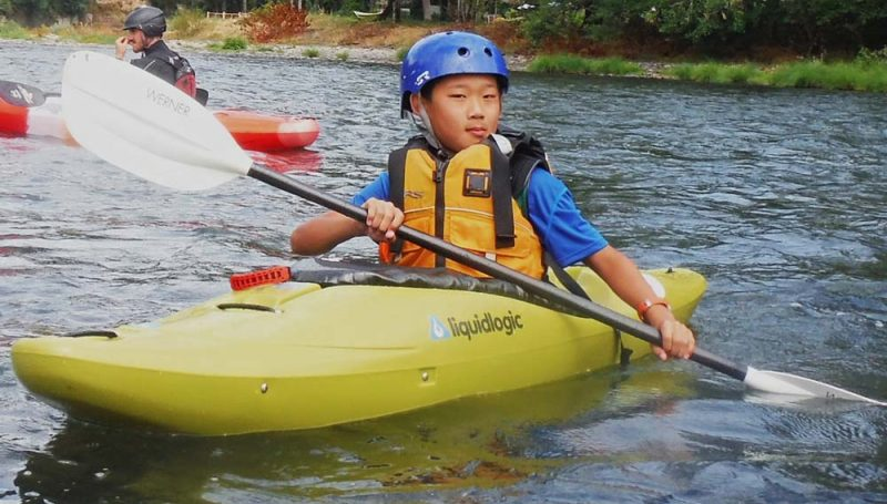 kids-canoe-kayak